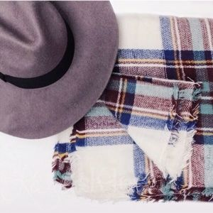 Accessories | White Plaid blanket scarf